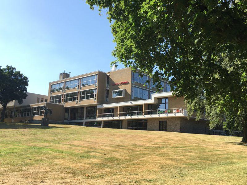 Noodlokalen tijdelijke uitbreiding Arentheemcollege geplaatst