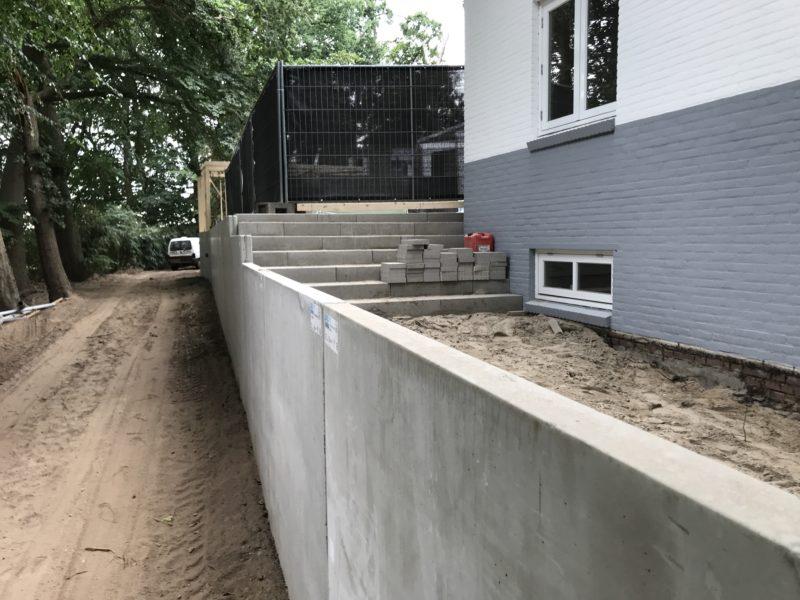 Berichtgeving in De Gelderlander inzake bouw keerwanden Kinderdcentrum Elfenbosch/Jacobiberg