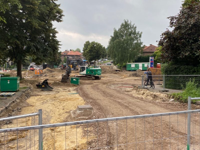 Aanleg rotonde Hommelseweg / Thomas à Kempislaan / Dalweg